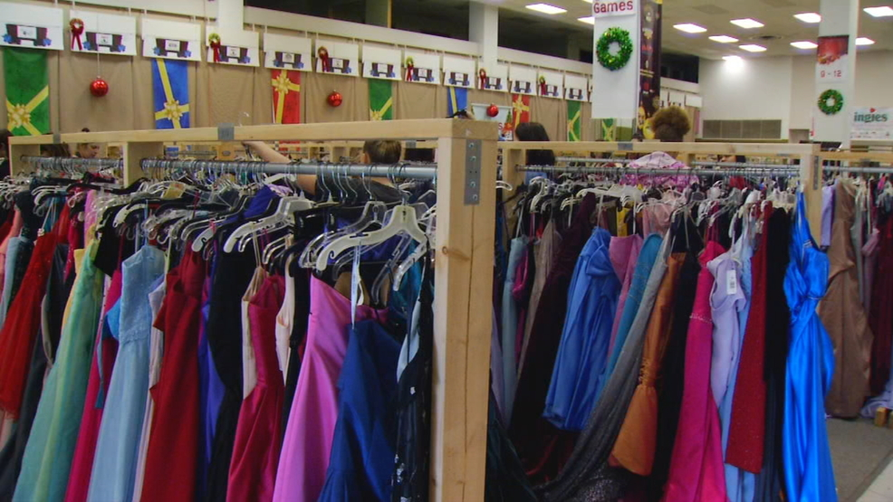 Operation Prom Dress Helps Ease The Financial Burden Of Prom Wlos