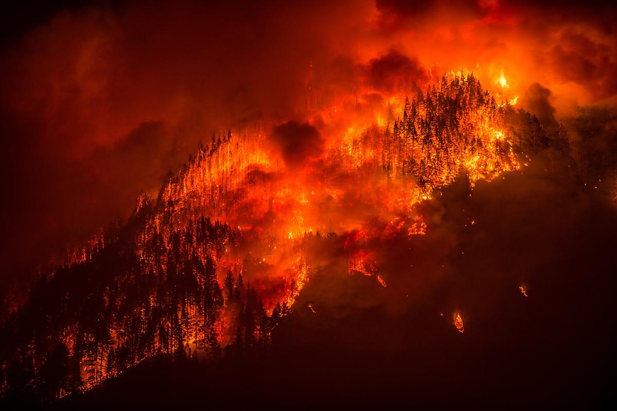 Eagle Creek Fire - Photo by Tristan Fortsch - 3.jpg