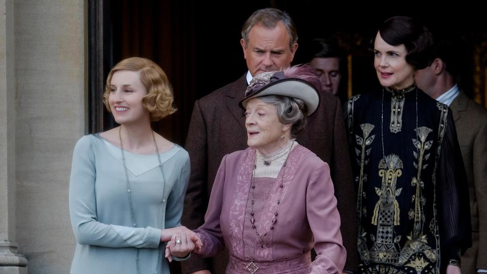 Weekend box office: Audiences give 'Downton Abbey' a royal welcome