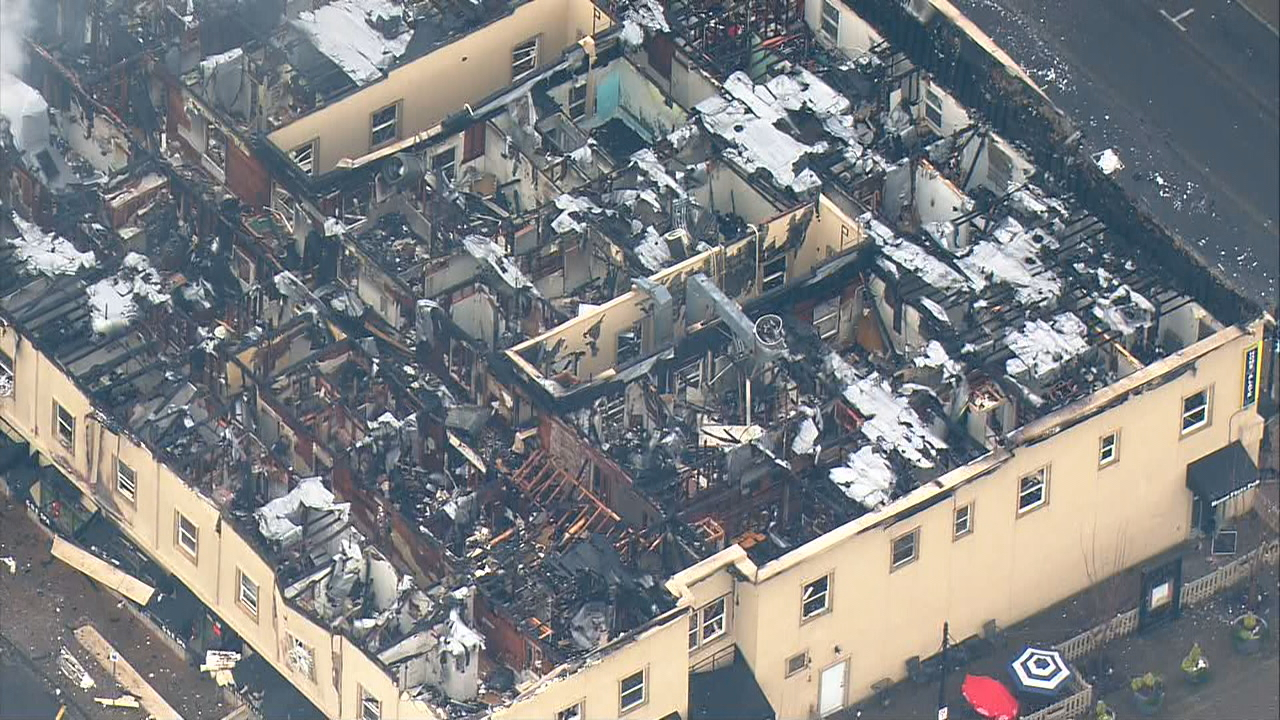 Fire burned the Heritage Building in downtown Auburn Tuesday, Dec. 26, 2017. (Photo: KOMO News/Air 4)