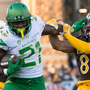 Oregon Ducks fly past Wyoming as Josh Allen's draft stock falls