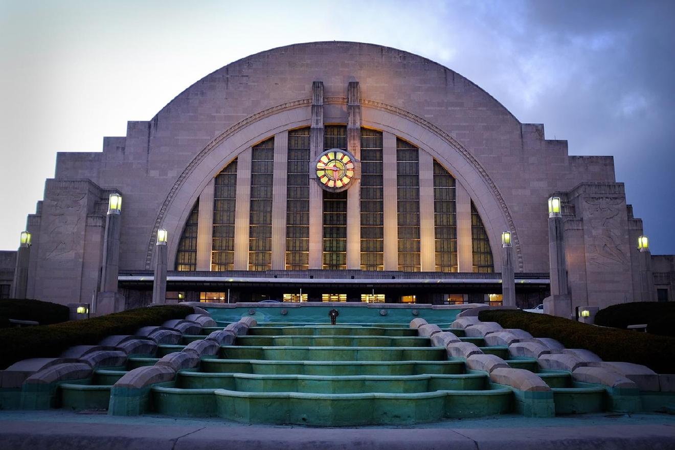 Photos cincy 39 s most iconic art deco buildings for Architecture art deco