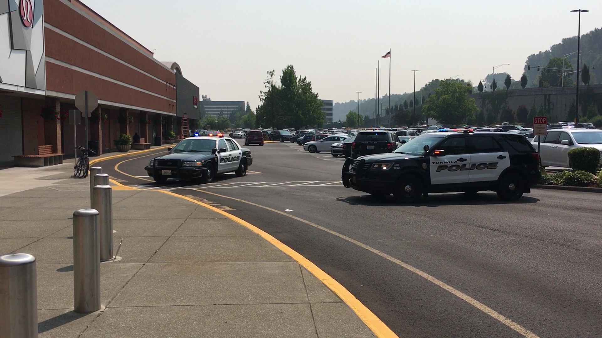 Police investigate an armed robbery Tuesday at Southcenter Mall. (KOMO Photo)