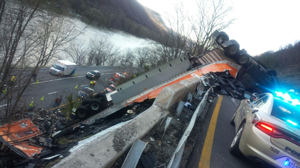 Police: Fatigue likely cause of tractor-trailer crash that