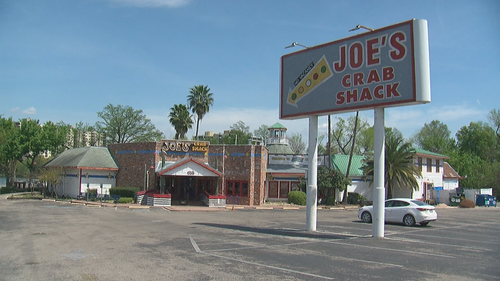 Joe's Crab Shack location on Lady Bird Lake closed over $10K in unpaid rent