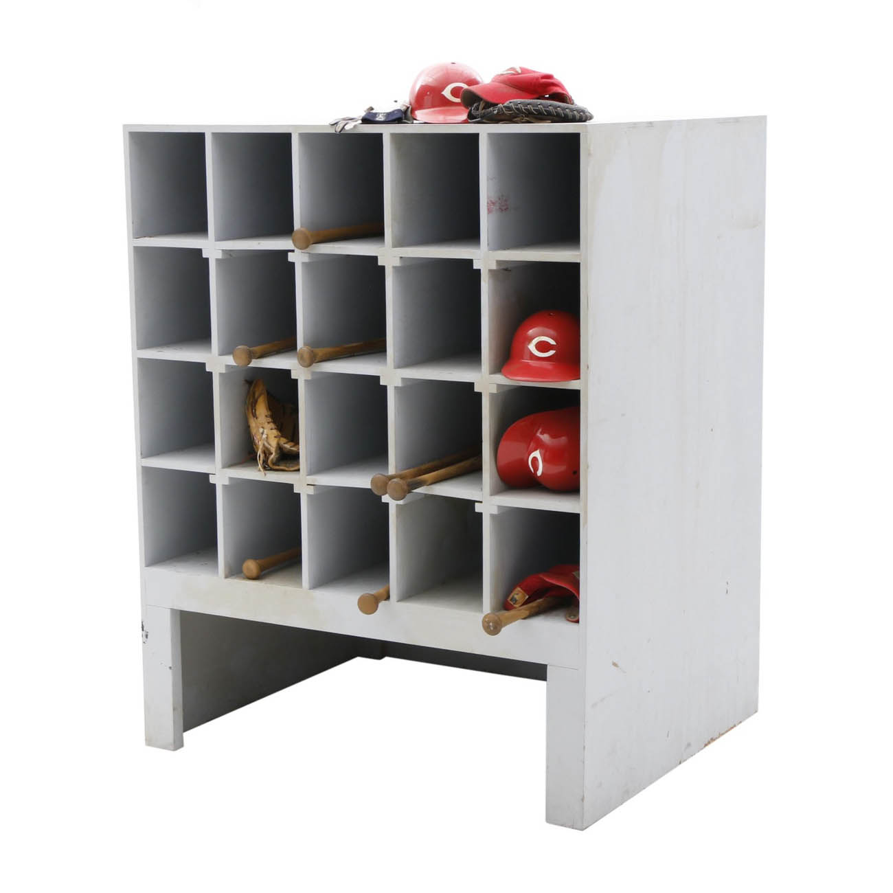 This Cincinnati Reds bat rack exhibit display includes Reds batting helmets, hats, gloves, and bats. / Image courtesy of Everything But The House (EBTH) // Published: 12.6.18