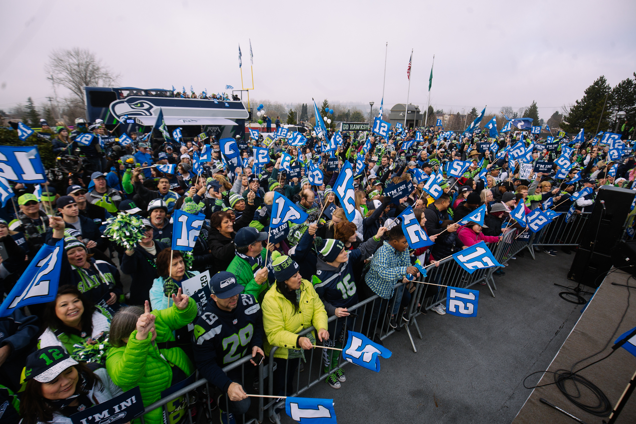 Hundreds of 12s came out to a Blue Friday Seahawks rally at Renton City Hall. The Seahawks hosted the rally before this weekends wildcard playoff game against the Minnesota Vikings that featured Blue Thunder, The Sea Gals, and former Seahawks alumni including Marcus Trufant and Jordan Babineaux. (Joshua Lewis / Seattle Refined)