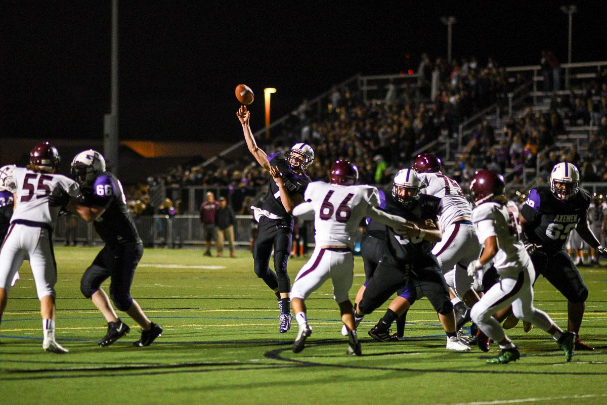 South Eugene QB Bryce Boettcher throws for a touchdown.  Willamette defeated South Eugene 31-8 at South.  Photo by Jeff Dean, Oregon New Lab