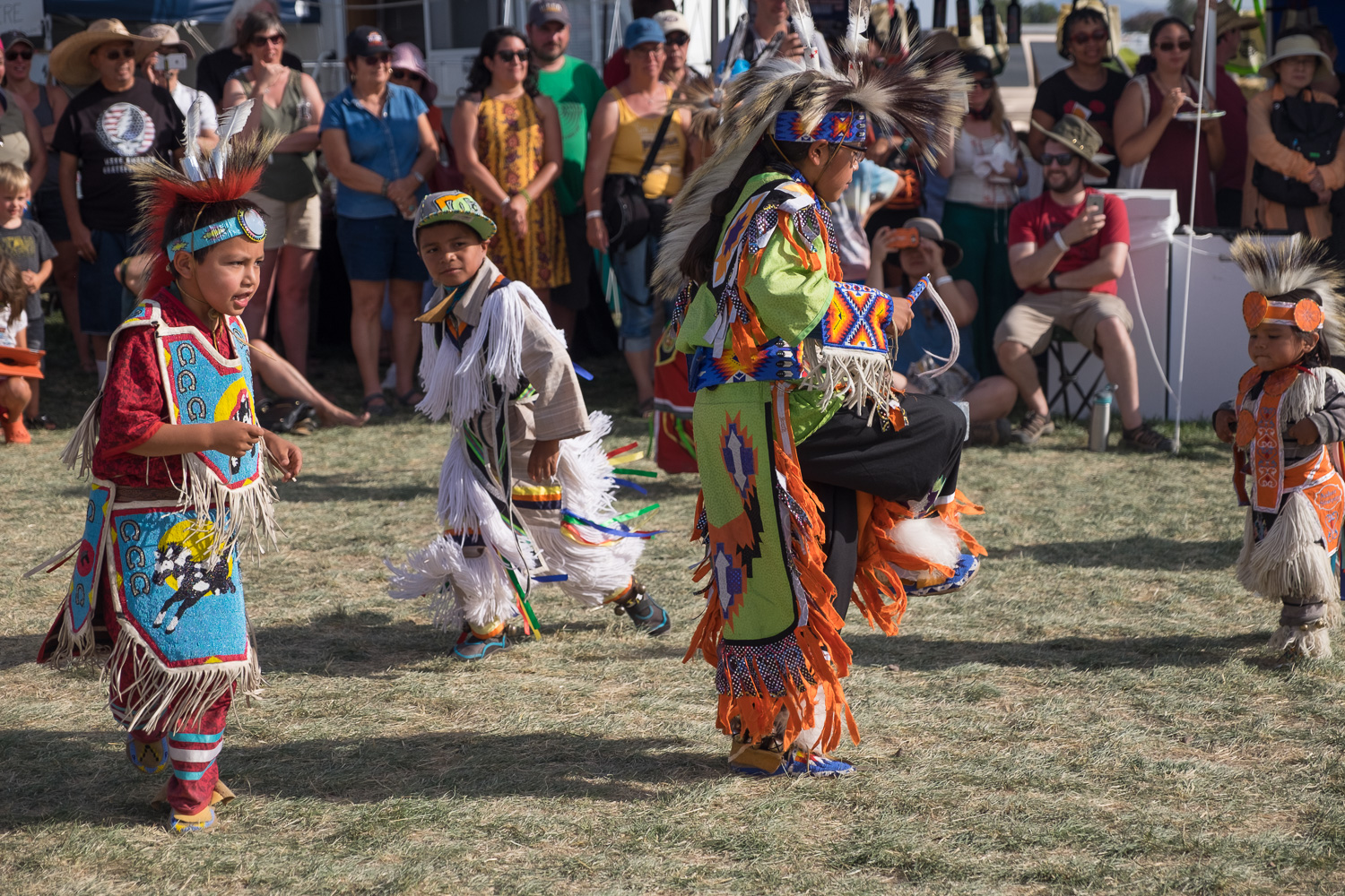 Tribal dancing. Oregon Solarfest (Image: Paola Thomas / Seattle Refined)