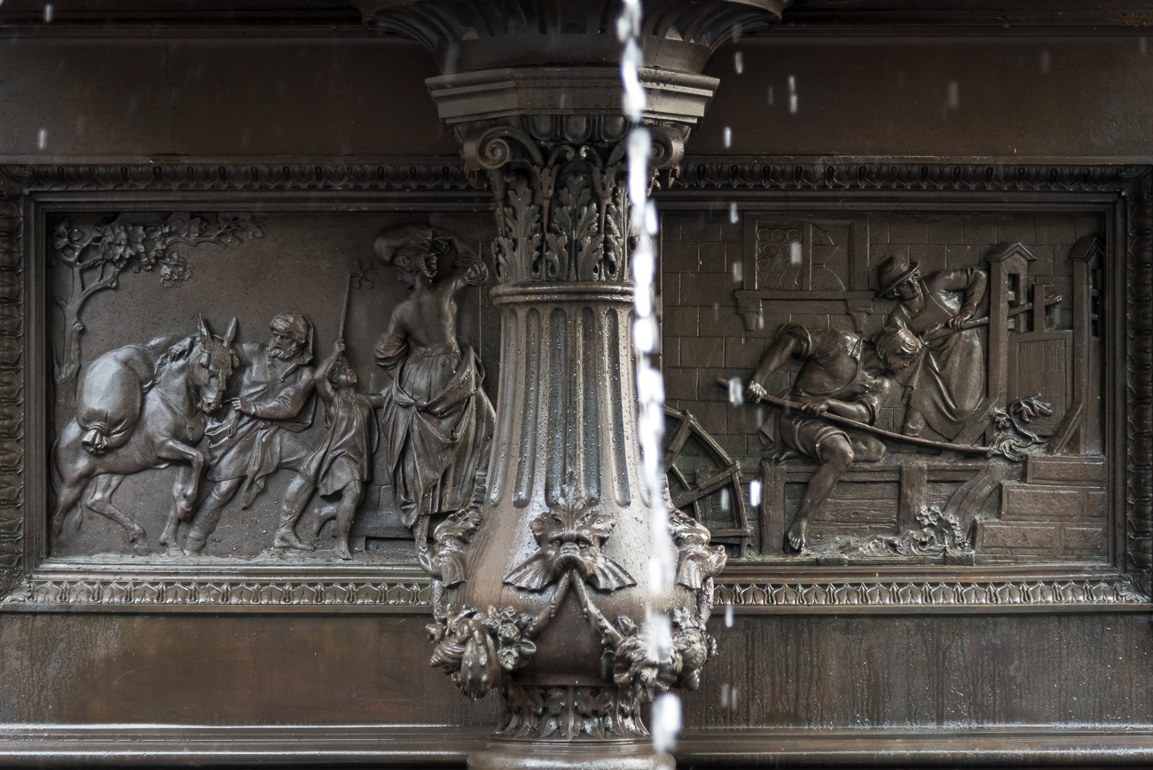 FIRST LEVEL: Four bas reliefs are on the inside of the center pedestal, each representing one of the many benefits of water. The relief on the north side highlights the benefit of hydro power. / Image: Phil Armstrong, Cincinnati Refined // Published: 5.31.18