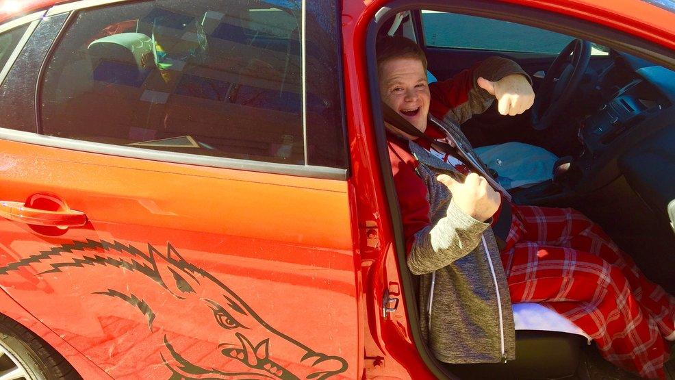 Arkansas super fan Caanan Sandy heads home after successful heart surgery