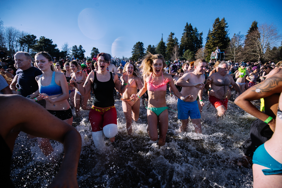 <p>Over a thousand people took to Alki and Matthews Beach Park in Seattle, WA for the annual Polar Bear Plunge this morning.</p>