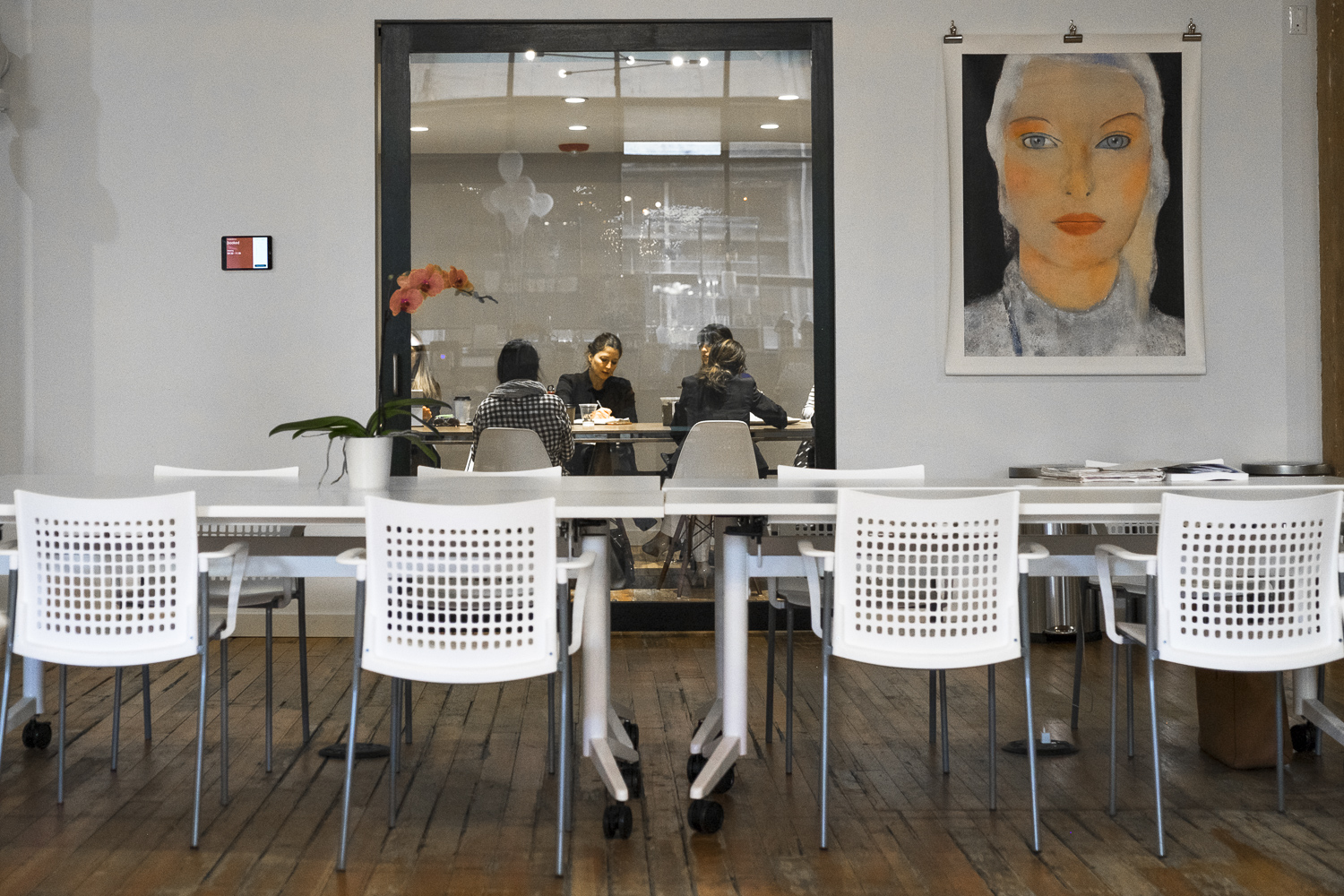 Conference room at The Riveter (Image: Paola Thomas/Seattle Refined)