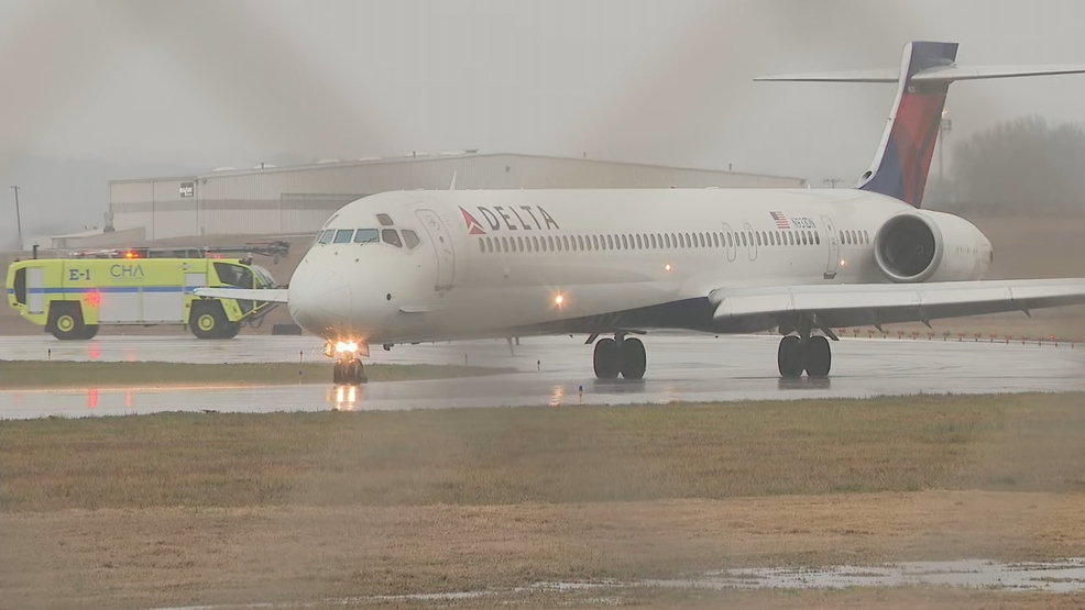 I Saw A Flash Atlanta Bound Plane Lands In Chattanooga After Being