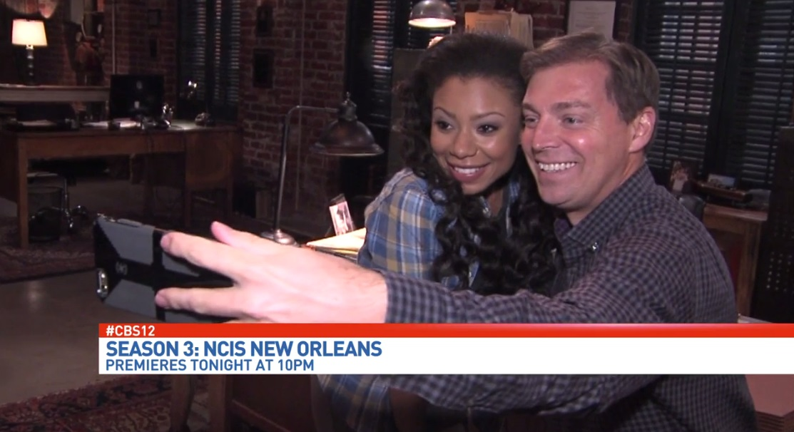 Roby getting in a few NCIS selfies!