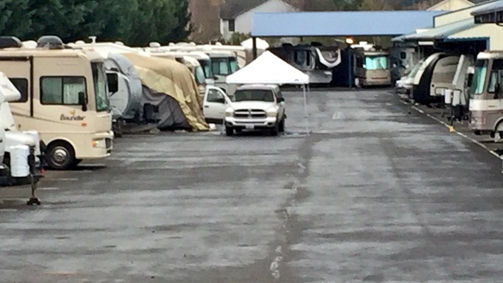 deputies man found dead at vancouver storage facility. Black Bedroom Furniture Sets. Home Design Ideas