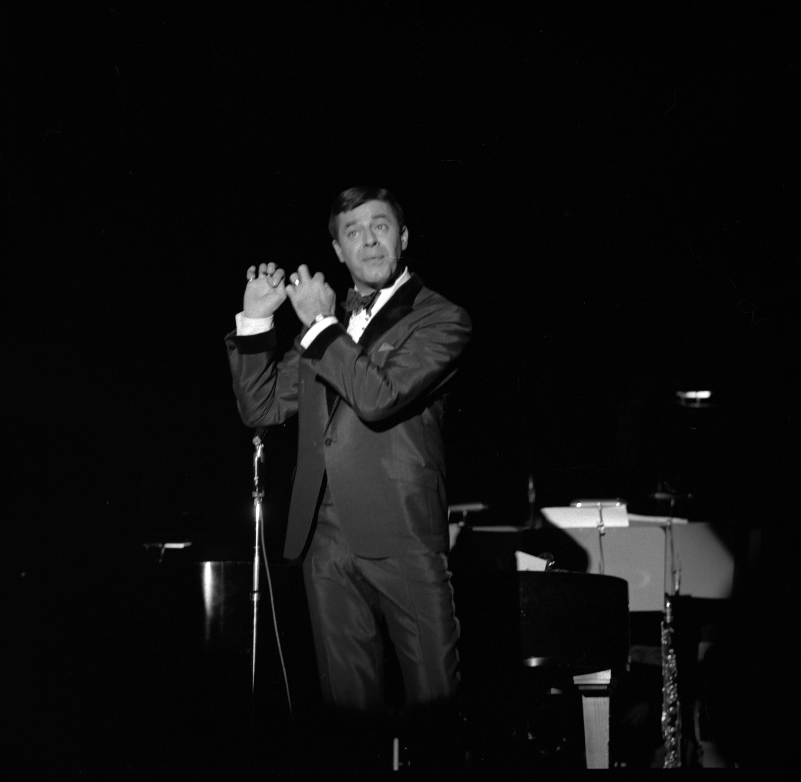 12/6/65 Jerry Lewis at the Sands. CREDIT: Las Vegas News Bureau