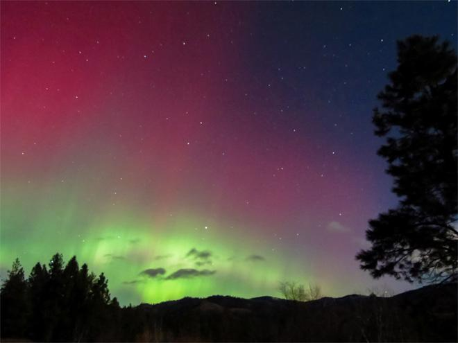 Northern Lights over Keller, Wash. -- Photo: Rocky Raybell