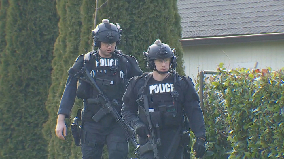 Suspect found dead after opening fire at police during Kent standoff