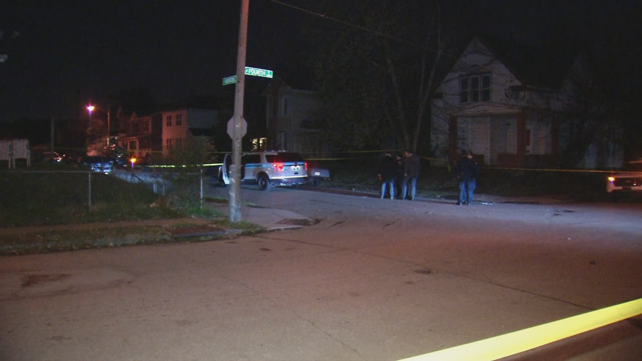 Man shot in killed in doorway of Dayton home (WKEF/WRGT)