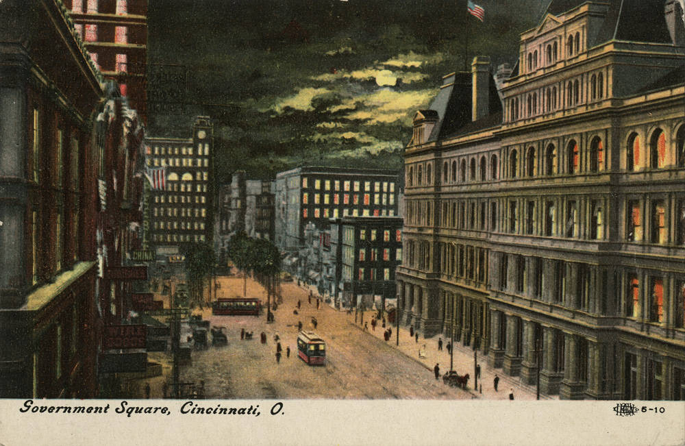 A postcard published by Morgan Stationery Co. depicts Government Square looking west at night. / From the collection of the Public Library of Cincinnati and Hamilton County - Clyde N. Bowden postcard collection / Image courtesy of the Public Library of Cincinnati and Hamilton County // Published: 9.27.18