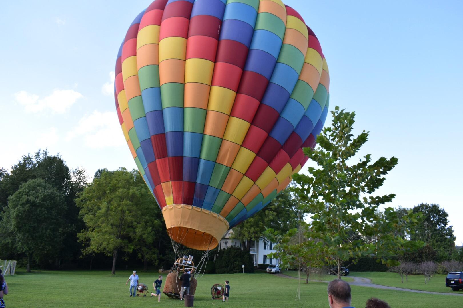 Guests enjoyed hot air balloon rides on the lawn at the Inn at Little Washington.{&nbsp;}(Image: Tim Ebner / DC Refined)<p></p>