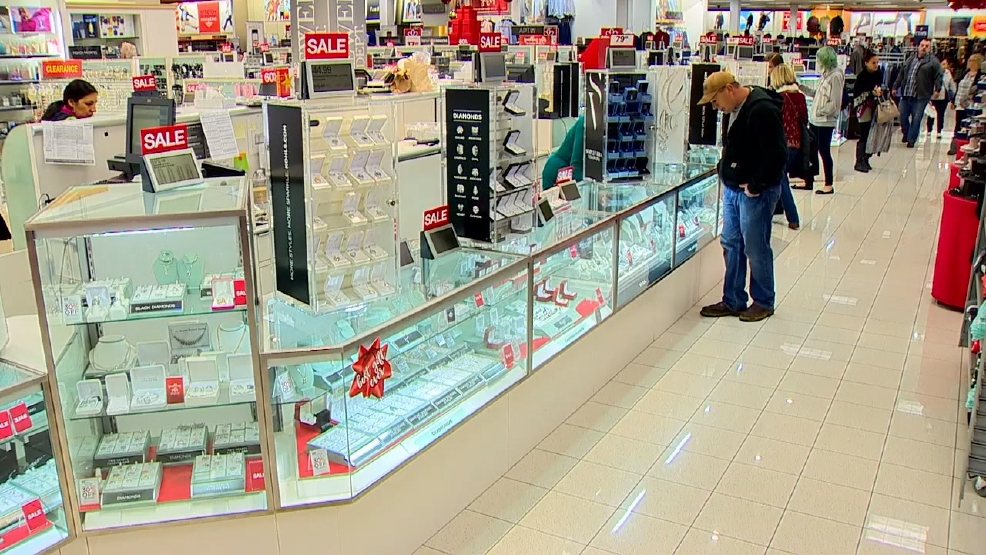 last minute shoppers find plenty of company good sales on christmas eve - Christmas Eve Sales