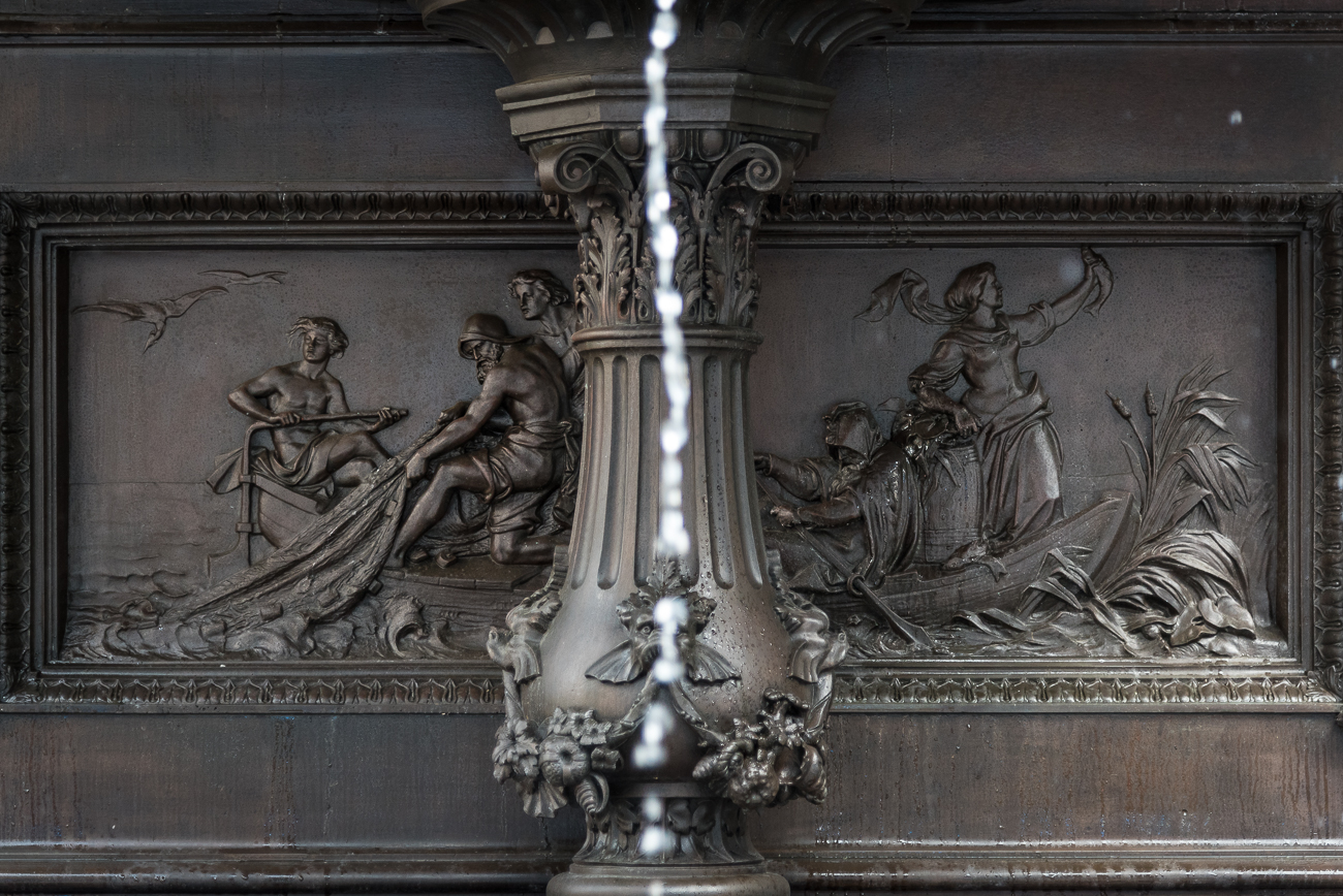 FIRST LEVEL: Four bas reliefs are on the inside of the center pedestal, each representing one of the many benefits of water. The relief on the south side highlights the benefit of fisheries. / Image: Phil Armstrong, Cincinnati Refined // Published: 5.31.18