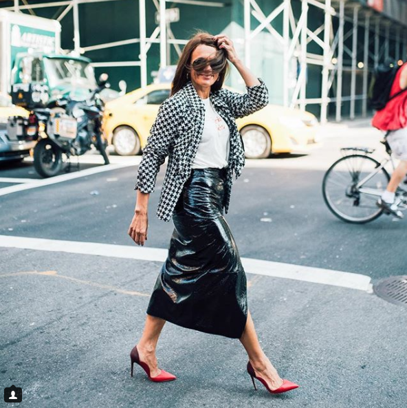 This Parisian always looks like she belongs in a French cafe sipping a cafe au lait and nibbling on a baguette, and we love it! While she rocks a classic black and white number better than most, she knows how to infuse an outfit with a pop of color when needed, too! (Image: Courtesy IG user @simplysylviadc/{&amp;nbsp;}www.instagram.com/simplysylviadc/)<p></p>