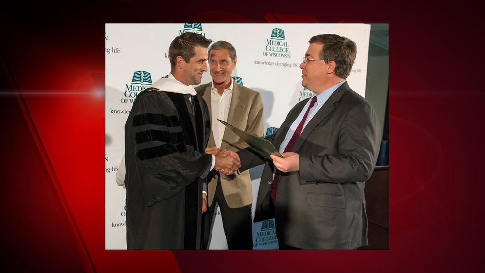 Aaron Rodgers receives honorary degree from the Medical College of Wisconsin.
