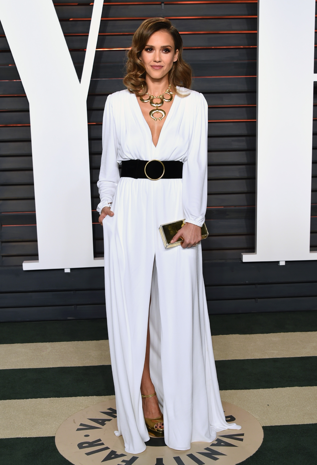 Jessica Alba arrives at the Vanity Fair Oscar Party on Sunday, Feb. 28, 2016, in Beverly Hills, Calif. (Photo by Evan Agostini/Invision/AP)