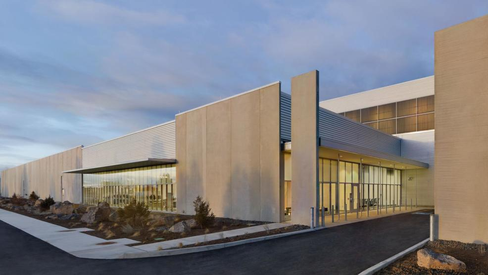 facebook to invest 750m to expand data center in oregon kpic