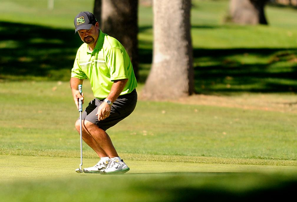 Andy Atkinson / Mail TribuneSteve Taormino shakes reacts to ball movement on the 10th green during the Jr Senior Men's Championships at the Rogue Valley Country Club Monday afternoon.