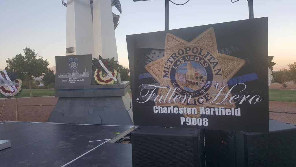 Memorial for Officer Charleston Hartfield who died during Sunday's mass shooting. 10/05/17 (Christy Wilcox | KSNV){&amp;nbsp;}<p></p>