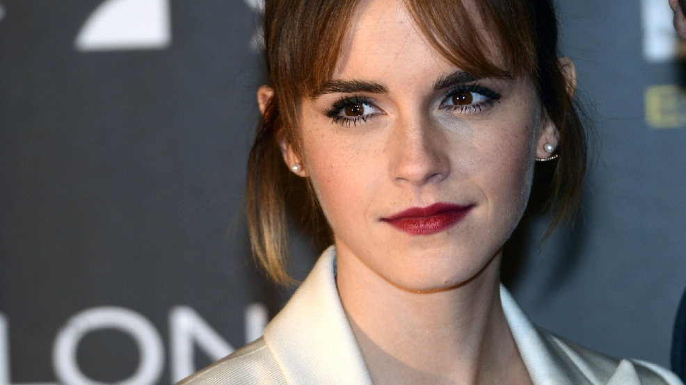 Emma Watson charges commuters $2 for life advice via an iPad
