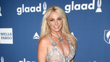Britney Spears forgets where she is during UK concert