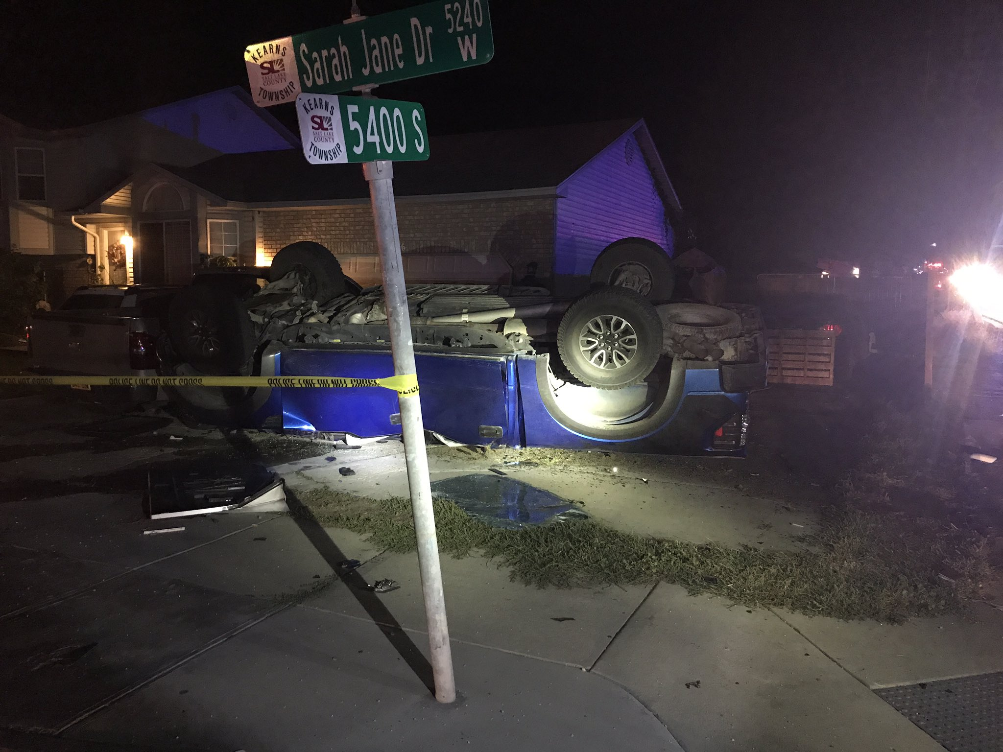 Breaking: 2 dead, 2 injured in shooting and crash, police searching neighborhood for 1 (Photo: UPD)