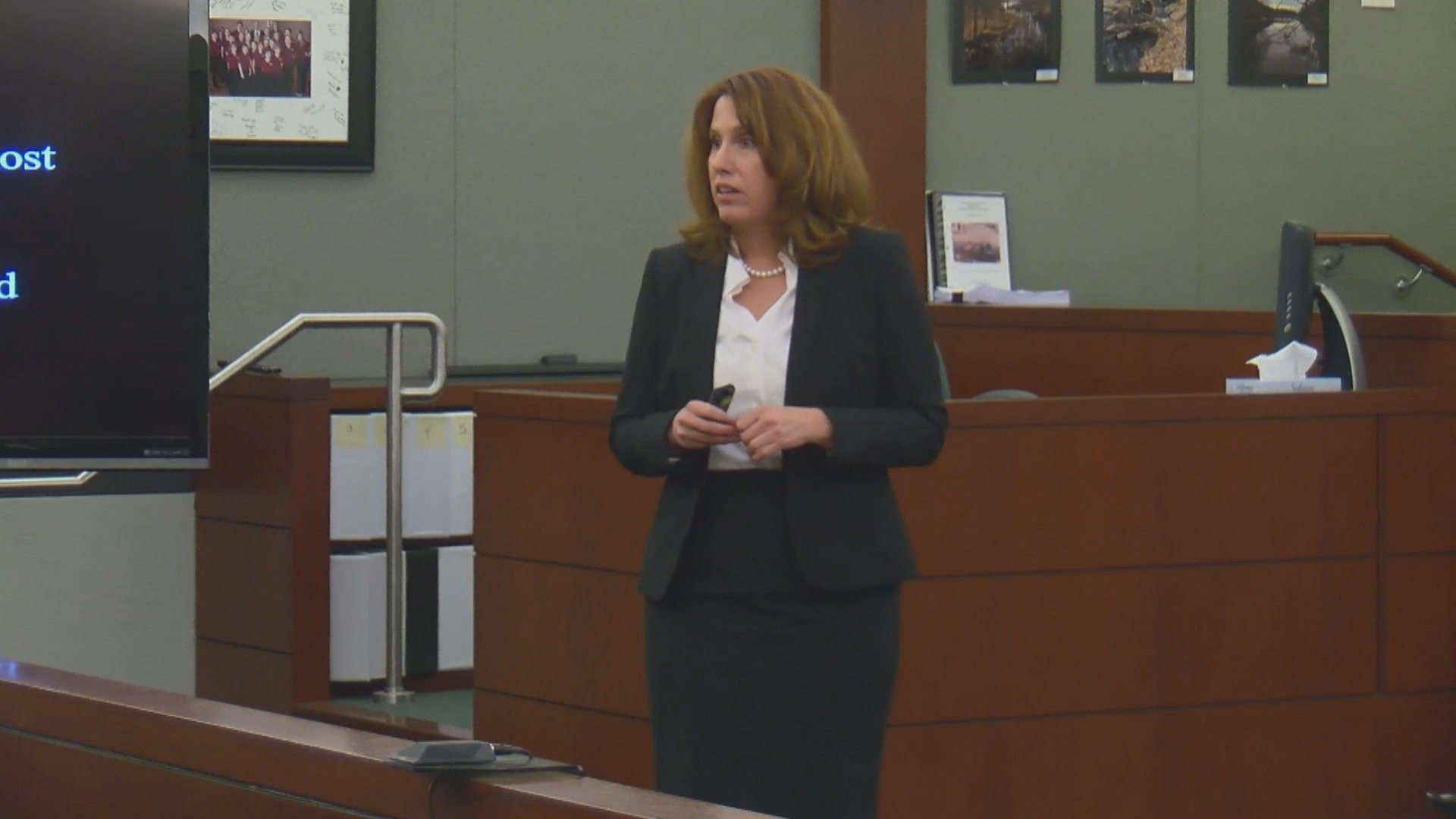 Clark County Chief Deputy District Attorney Pam Weckerly delivers her opening argument Tuesday, October 31, 2017, in the trial of Bryan Clay at the Regional Justice Center in Las Vegas. (Justin Michel/KSNV)