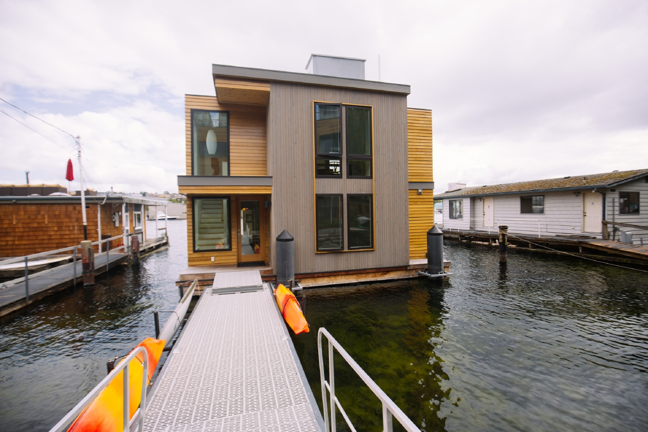 """The prize"" - that was how the rep of the 2016 Floating Home Tour described this floating home when we asked about it. Taking a look through the gallery - we totally understand what they mean. This is what (our) dreams are made of.   We have been profiling one floating home a day for the past week after we attended the 2016 Floating Home Tour last weekend. Check out the other homes by clicking our ""The Home"" section. (Image: Joshua Lewis / Seattle Refined)"
