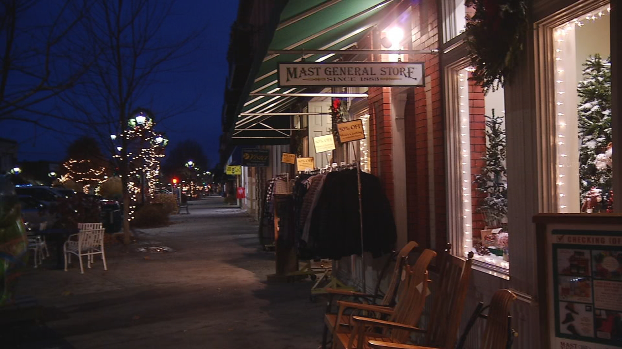 Ahead of the potential snow, some customers at The Mast General Store picked up holiday gifts. (Photo credit: WLOS staff)