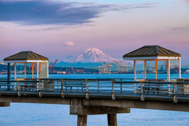 The mighty Mt.Rainier glowing at sunset on Sunday evening. Shot from Centennial Park. (Photo: Sigma Sreedharan Photography)
