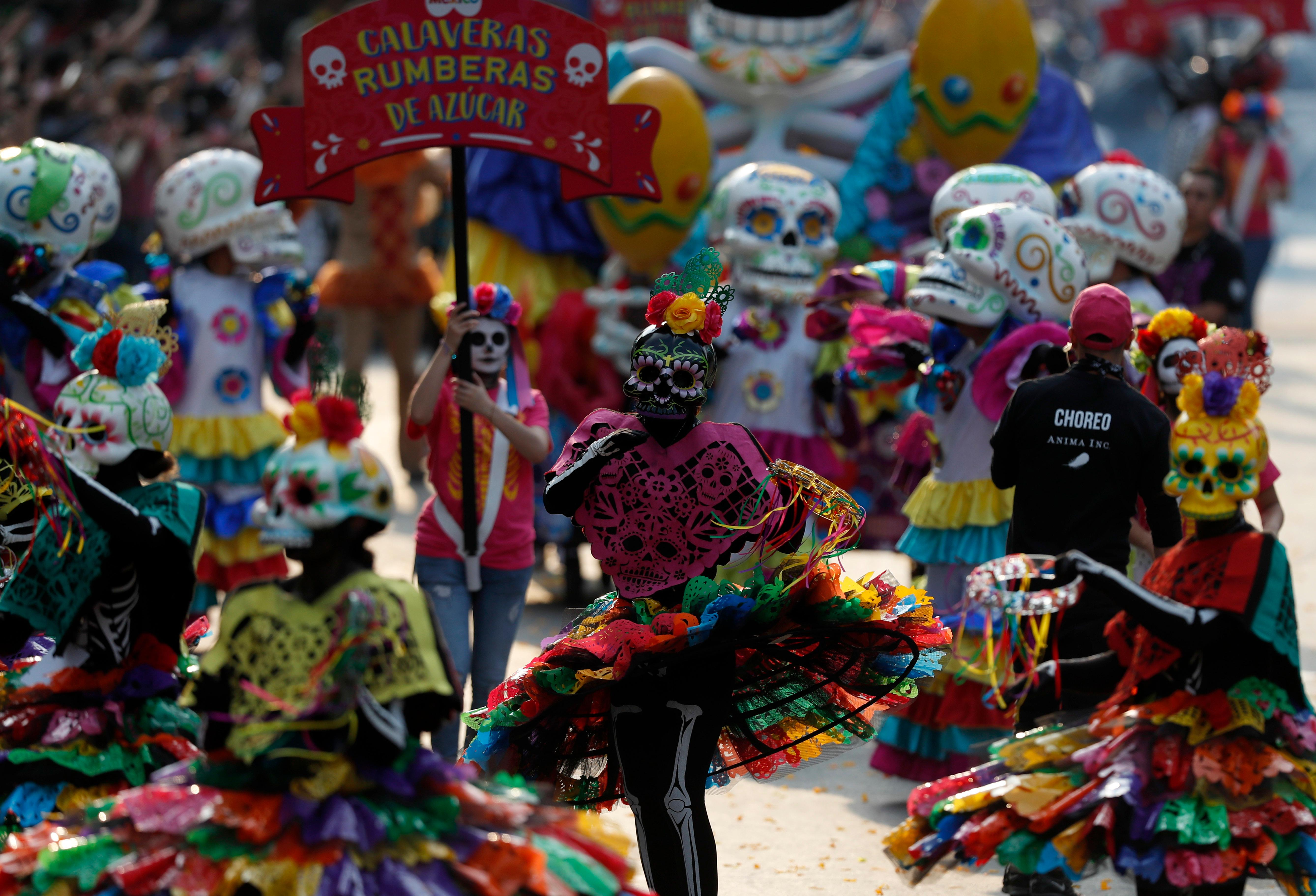 day of the dead parade honors mexican quake victims