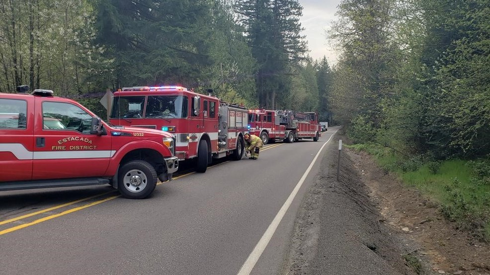 Crash closes Hwy 211 near Estacada, two taken to hospital