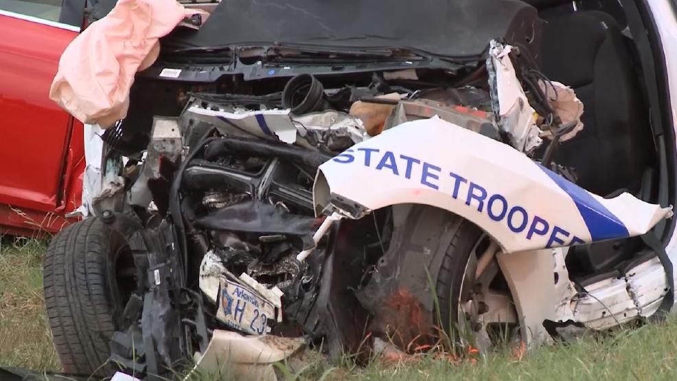 State trooper hurt in wrong-way fatal crash on Arkansas
