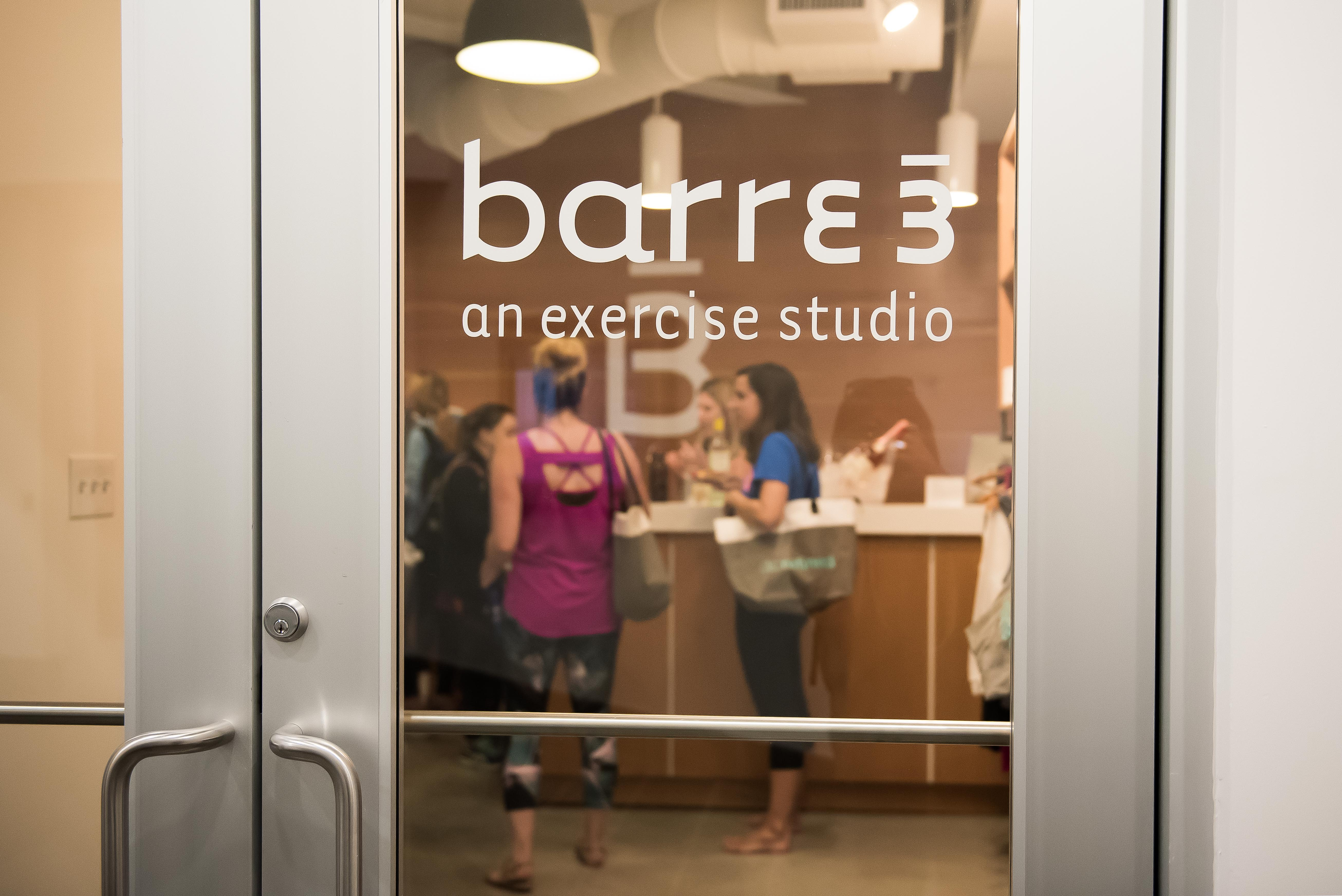 Workouts are always better with a friend, right? Well, that was definitely our thought process as we hosted 15 DC Refined readers for a barre3 class with owner Jill Warren on Tuesday October 17. If we were going to sweat and pulse and shake, we might as well do it with some friends! Guests were treated to a 60-minute class taught by Jill herself, followed by a little mingling with wine, cheese, crackers and strawberries. As one guest said, we will ALWAYS workout for wine! (Image: Joy Asico)
