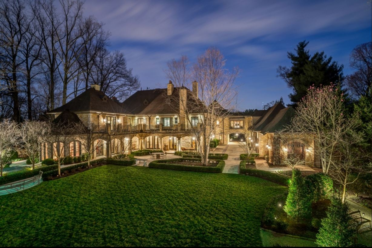From the most expensive house on the market (pictured here) to a castle in Warrenton, President Obama's soon-to-be residence and an Airbnb property turned celebrity party mansion that went on the market, we've seen some pretty amazeball properties this year. We're sharing just a few of our favorites -- ok it may be more than a few! (Image: Courtesy TTR Sotheby's International Realty)