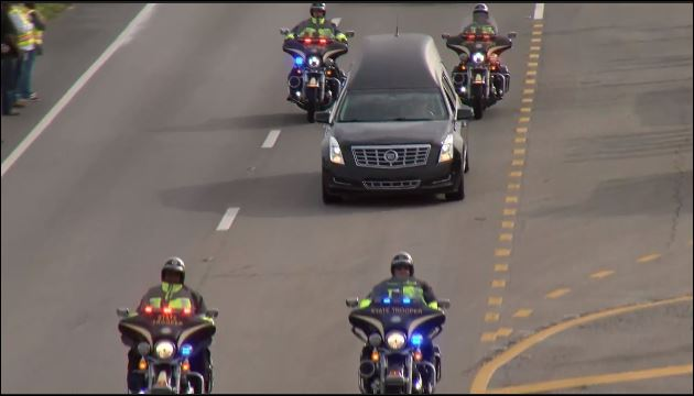 Slain FHP trooper escorted to Sarasota. (WPEC)
