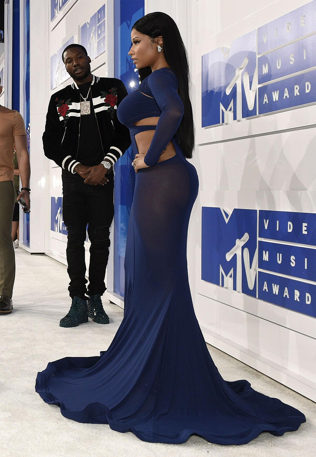 Nicki Minaj, from right, and Meek Mill arrive at the MTV Video Music Awards at Madison Square Garden on Sunday, Aug. 28, 2016, in New York. (Photo by Chris Pizzello/Invision/AP)