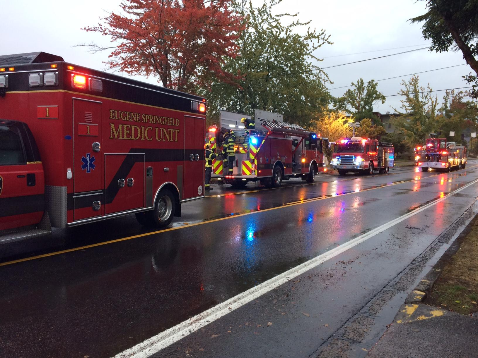Fire crews on 18th Ave. in Eugene, October 12, 2017. (SBG)<p></p>
