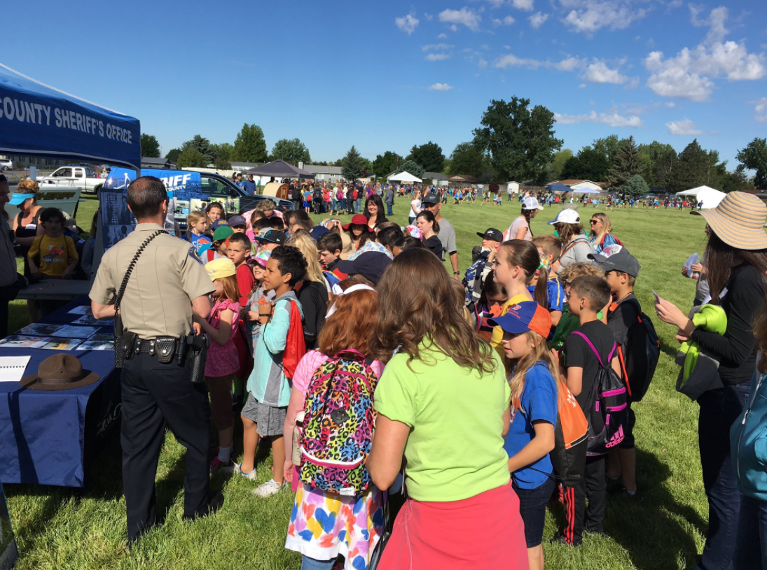 West Ada fourth graders learning about the history of Ada County and the police department at the annual rendezvous event. The event celebrates Idaho history. (photos courtesy of Ada County Sheriff)